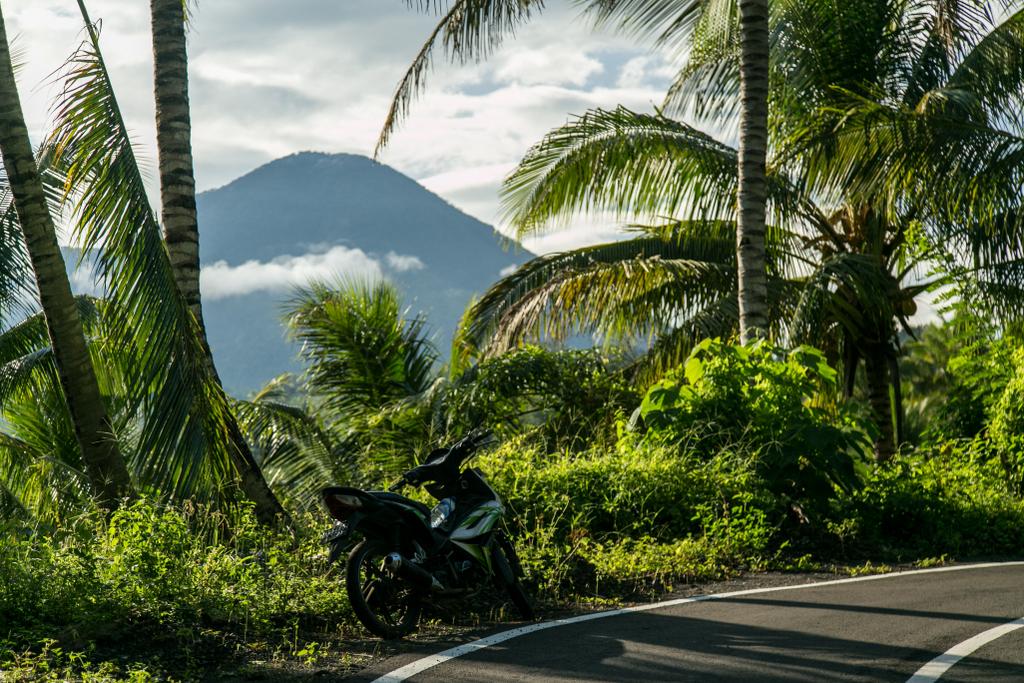 motorozás indonéziában indonézia motorral mondolo utazás bali motorbérlés